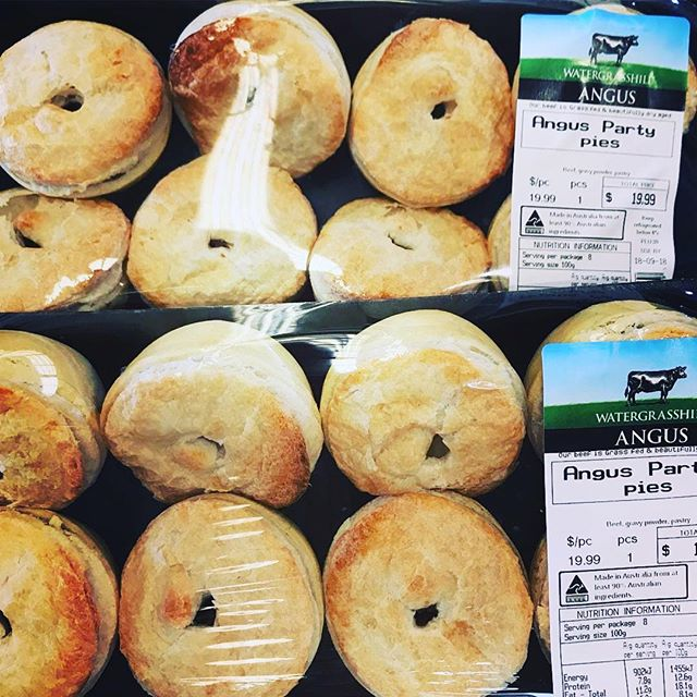 BEEF ANGUS PARTY PIES 🥧 September means footy finals! Get to the market early or for these party pies or order them through @watergrasshillangus website so you don't miss out