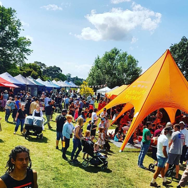 @bawbawshire ・・・ 🎉🎈😍Absolute scenes at @westgippslandartscentre to celebrate its official reopening AND the 5th birthday of the @warragulfarmersmarket! Come on down for some family friendly fun in the sun # comedy @visitbawbaw