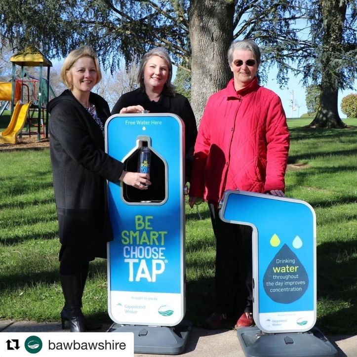 💦 We are so thrilled about this! Thank you @gippslandwater @bawbawshire ・・・ 💦 Today Mayor Mikaela Power joined @gippslandwater managing director Sarah Cumming at Civic Park in Warragul to celebrate the arrival of two new portable drinking fountains which can be borrowed by community groups for local events.  @warragulfarmersmarket committee member Catriona Ferguson said she was pleased to be able to use the fountains to offer free drinking water to visitors at their monthly markets