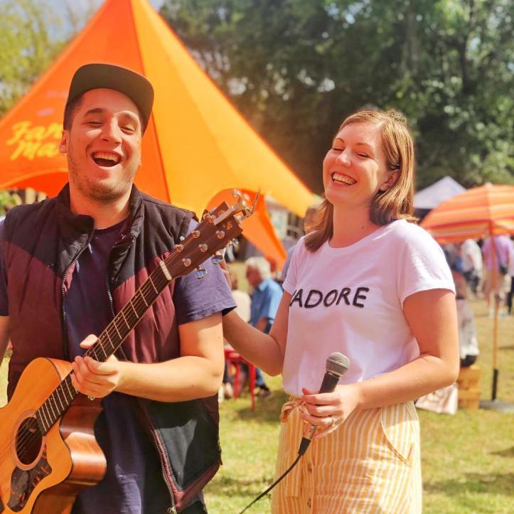 Market vibes!  Husband & Wife duo dishing up the old school party tunes.  Keep loving life Dave & Eleanor @dave.carps  @eleanor_paige