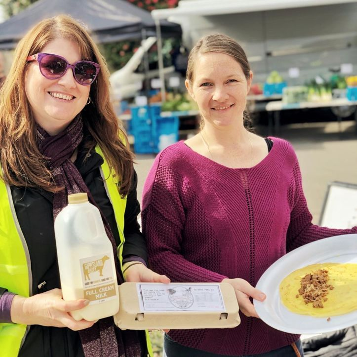 Who got to try the Russian Crêpe?  Thanks to volunteer Natalie Collings for hosting Galina from @shed_28_warragul who was able to highlight some gorgeous market produce such as @watergrasshillangus Mince, @hillgrovefarmpasturedeggs & @gippslandjersey Milk  Shed 28 is open for dinner Thursday, Friday & Saturday if you want to try out some Russian food @cupcaketherapy