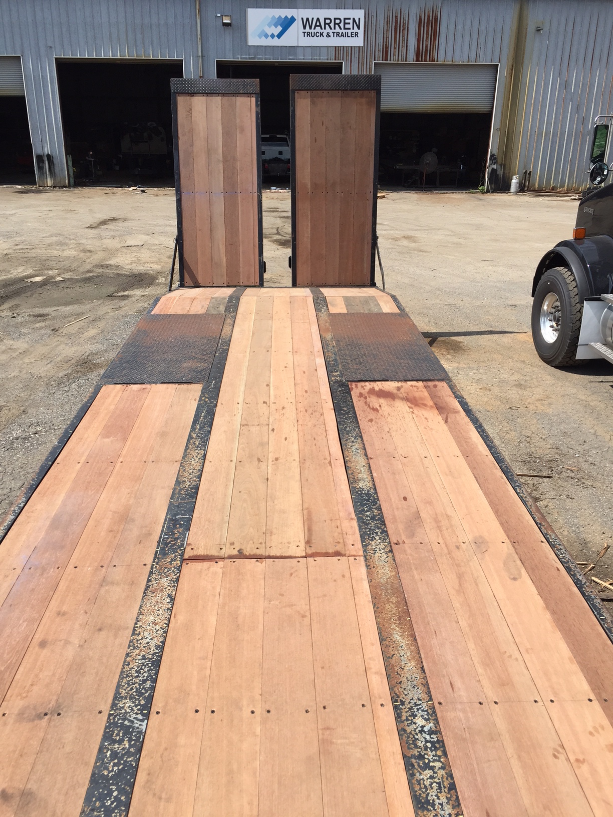 Apitong Wood Flooring Flatbed Body And Trailer Option