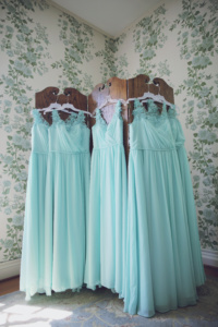Teal bridesmiad dresses, photo by Melissa G Photography