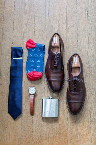 Groom's wedding accessories