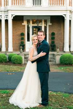 Bride & Groom in front of historic Kentucky mansion