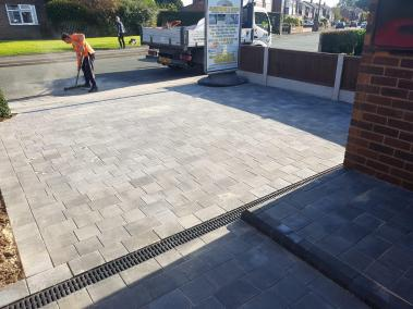 jlowtherBlockPaving1