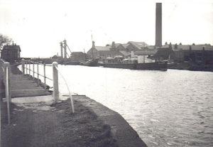 The canal at Sankey Bridges