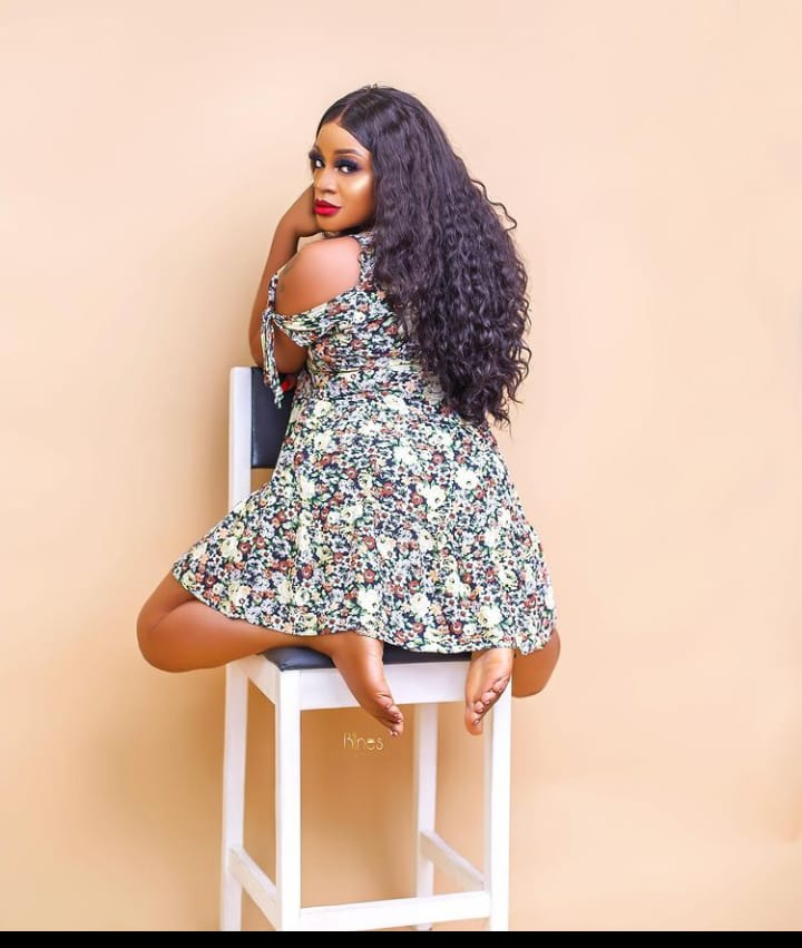 """""""Normalize taking pictures without turning your back"""" – Actress, Uche Ogbodo tells ladies"""
