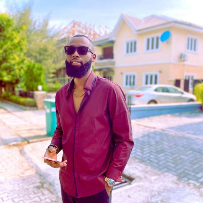 """""""This is neither smart nor safe"""" – Fan lectures reality star, Tochi over his search for good cook online"""