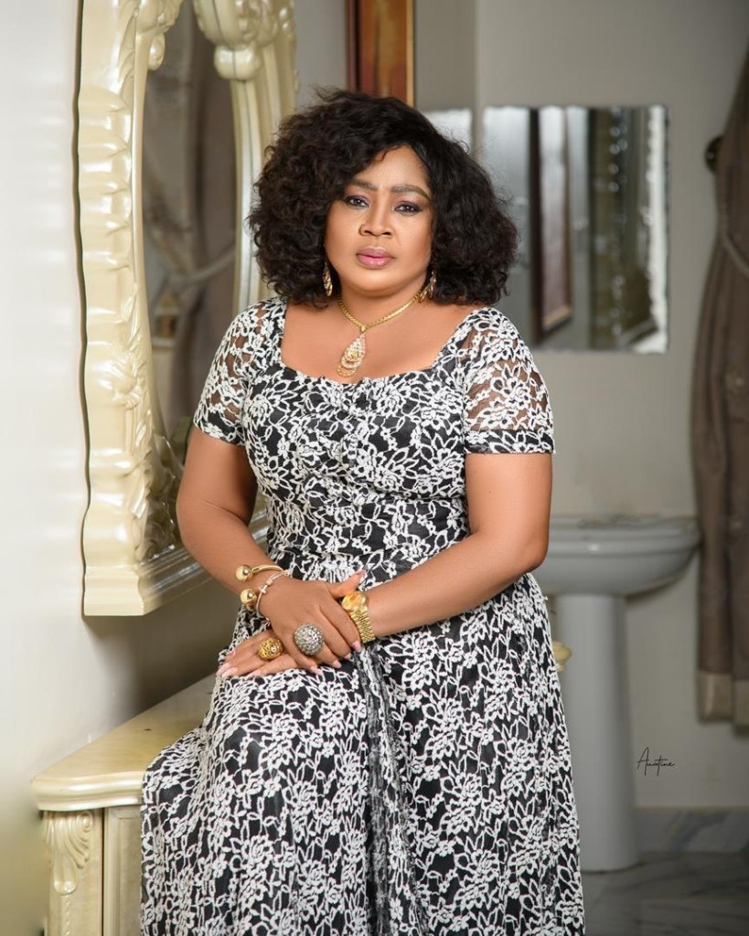 You're not worthy to have a mother – Rita Daniels slams a lost troll on her page