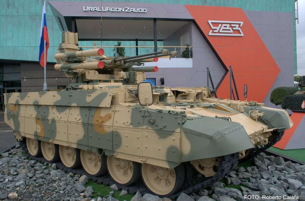 """""""Terminátor"""" """"pri maximálnej rýchlosti"""".""""Uralvagonzavod"""" ukázal testy BMPT. – VIDEO-"""
