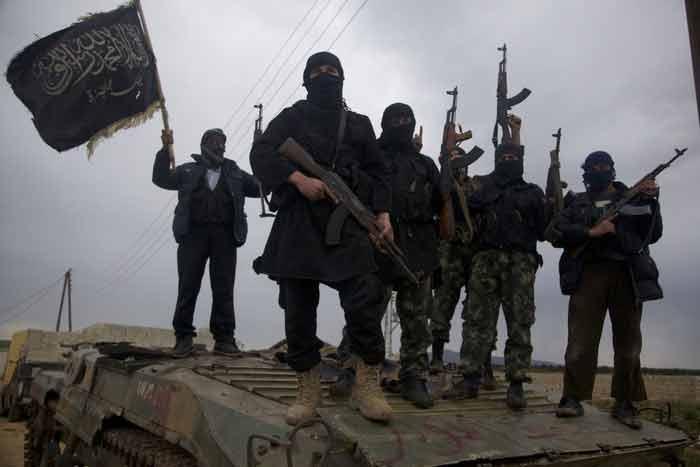 TERORISTI ISIS ZAÚTOČILI NA ZÁKLADŇU LNA V JUŽNEJ LÍBYI, ZAJALI MNOŽSTVO ZBRANÍ (FOTOGRAFIE)