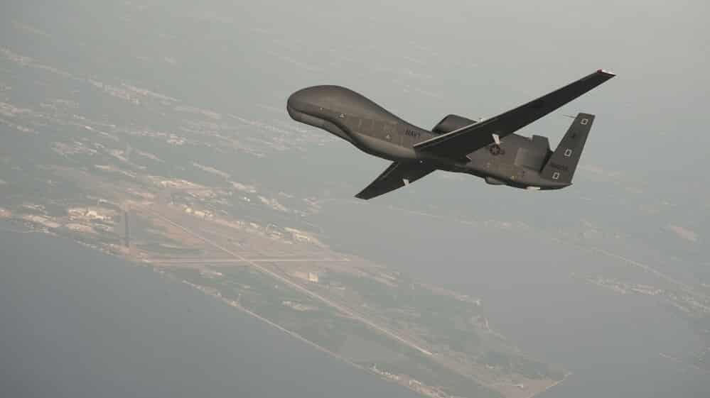 Prvé foto trosiek zostreleného dronu USA nad Iránom.