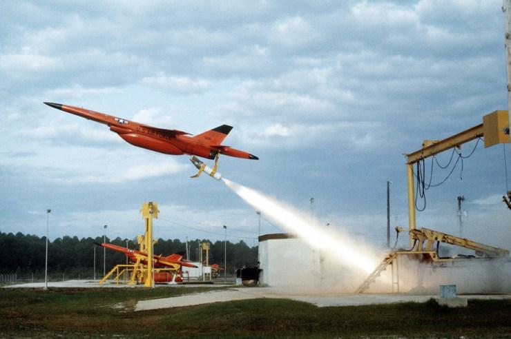 bqm-34f_launch_tyndall_afb_1982-5e48fd39c38ad4e77c9b1d7d49dc328b Войны летающих роботов: на заре новой эры