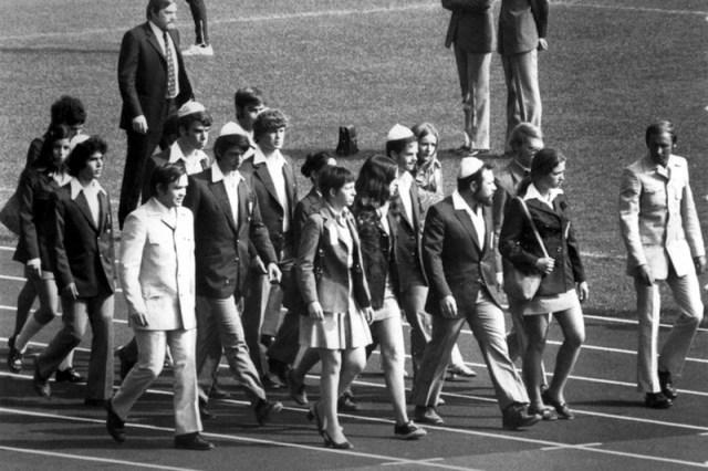 Ещё один кадр со сборной Израиля. Израильских спортсменок спасло то, что они жили в другой гостинице - Мюнхен-1972: точка отсчёта для антитеррора | Warspot.ru
