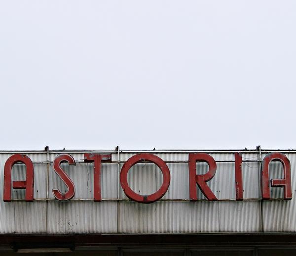 ASTORIA, Uniwersam Grochów