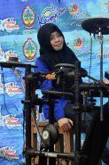 artis lokal di festival karimata 2015 menyambut sail karimata 2016