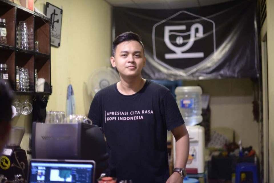 Achmad Fahmi, owner @kedaiseruput