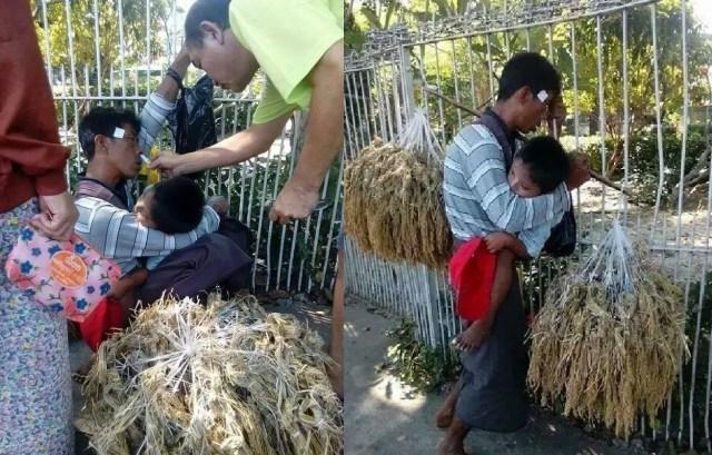 Seorang Ayah membawa anaknya berjualan walaupun sedang sakit