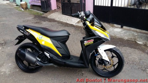honda pcx modifikasi thailand with Modifikasi Yamaha Mio M3 125 Jadi Maxi Scooter Ala Pembalap Adi Bontot on Honda Pcx Hybrid 2018 further Harga Honda Pcx 2018 Putih 2 besides Honda Forza 125 City Gt further 2013 Honda Crf250l Dual Sport Officially Announced For Us as well Headl  Beat Street 2017 Putih.