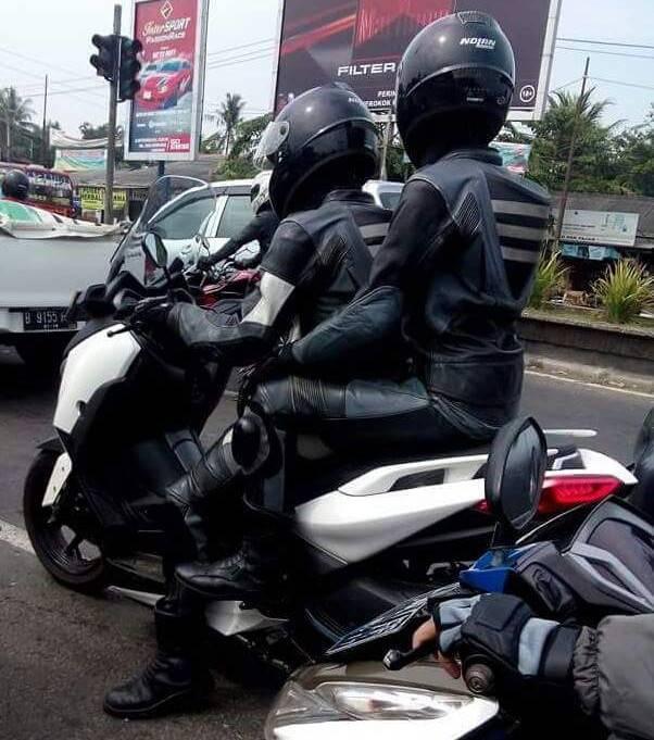 penampakan samping Yamaha X-Max 250cc lokal