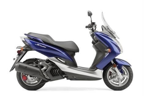 Yamaha S-Max, matic dek rata berwindshield... sangat menginspirasi...