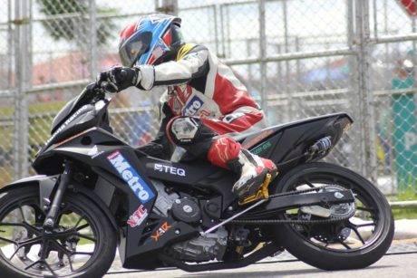 Honda RS150R aka Supra GTR 150 dipakai balapan di Malaysia...