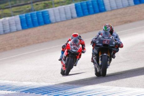 Ducati Desmosedici Motogp vs Ducati Panigale WSBK