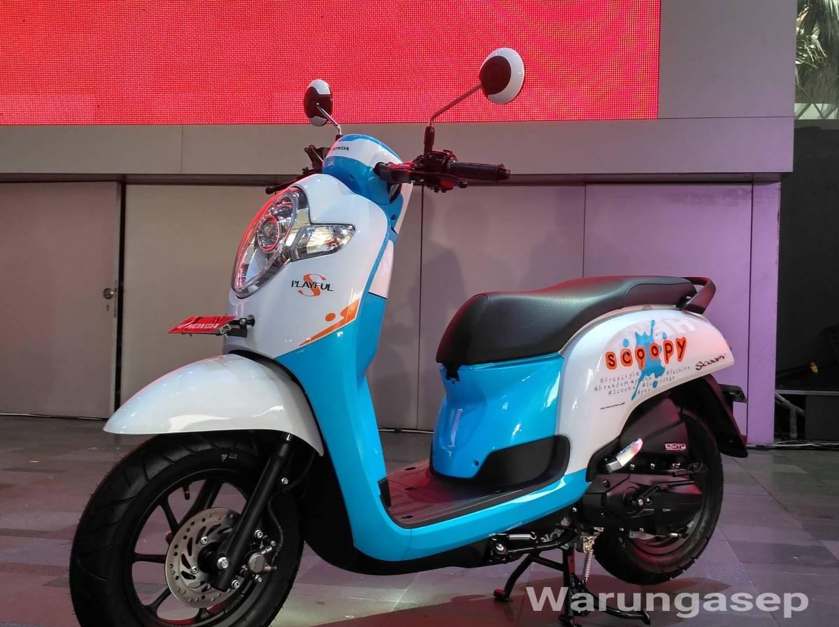 """All New Honda Scoopy 2017 Resmi Dirilis, Harga Rp. 17,8jutaan, Skutik Velg 12"""" Pertama di Indonesia"""