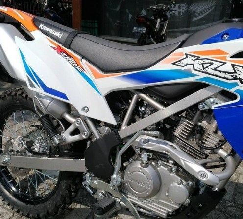 KLX 150 bf EXTREME mesin dan body