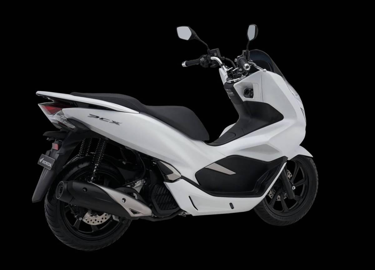 Ada Apa Aja Sih Fitur dan Spesifikasi Honda PCX 150cc?