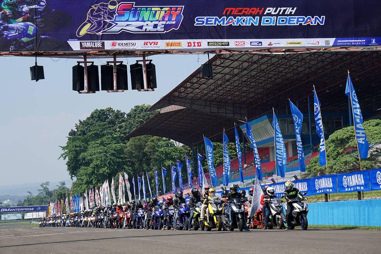 Victory Lap Ribuan Bikers Dalam Ultah YVC ke-11