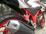 Honda New CB150R Spesial Edition Speedy White (3)