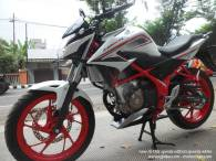 Honda New CB150R Spesial Edition Speedy White (6)