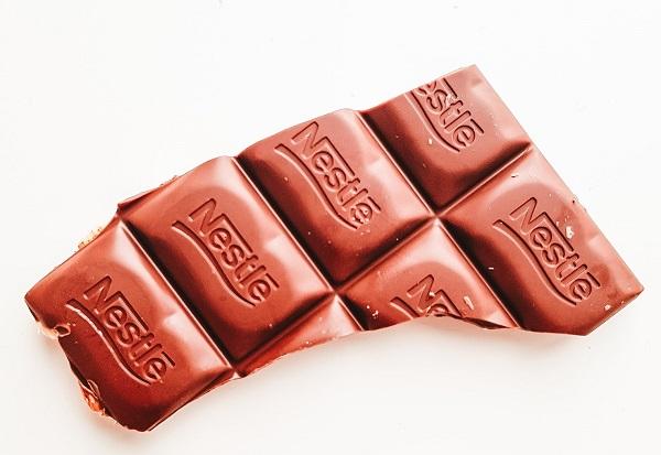 cokelat untuk valentine,cokelat nestle,cokelat cadbury,cokelat van houten,rekomendasi cokelat untuk valentine,cokelat untuk valentine day,cokelat valentine terbaru