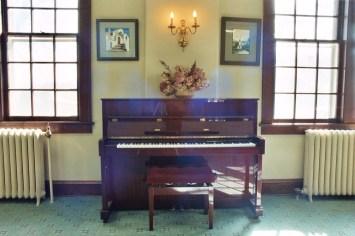 Main Lounge 4