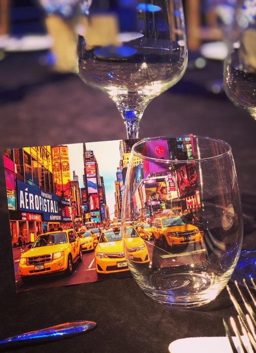 New York Taxi postcard and drinking glasses