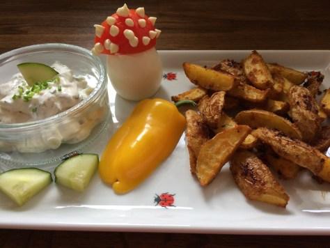Würzige Kartoffelecken mit Dip