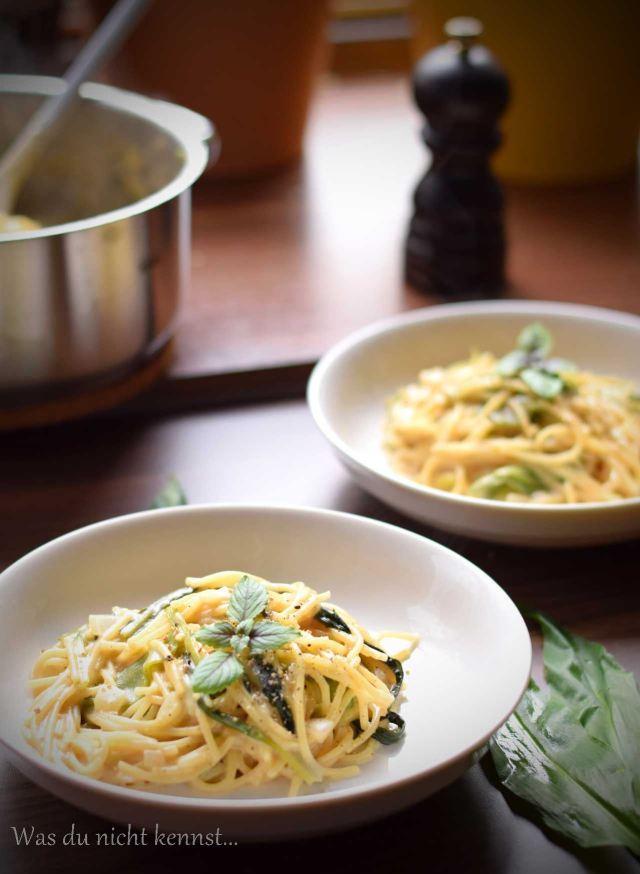 One Pot Pasta mit Bärlauch