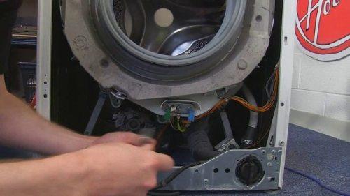 Kabloyu ısıtma elemanından çıkarın