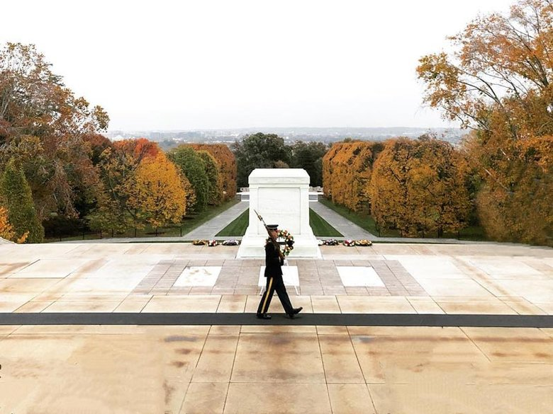 @jennrightmeow - Autumn scene soldier guarding Tomb of the Unknown Soldier at Arlington National Cemetery