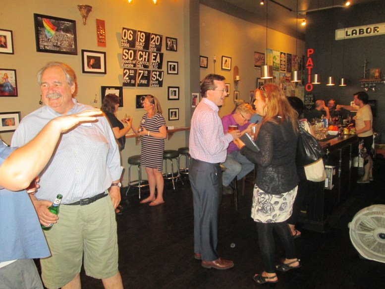 Industry professionals attend our Seattle Event to discuss our legislative campaign.