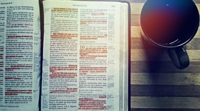 Reading the Bible to Meet God (photo-TheBlazingCenter.com)