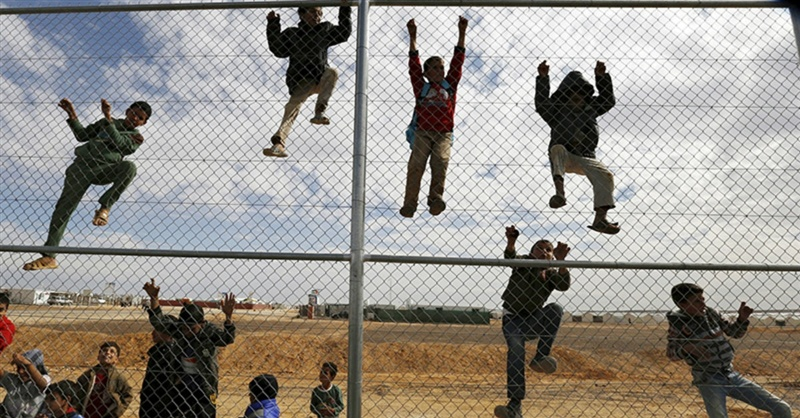 Why Evangelicals are Torn about Admitting Refugees to the US (Photo Christian Headlines)