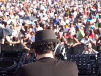 Louie Vega from New York was the first DJ not from Chicago to be the featured DJ at the Chosen Few Picnic.