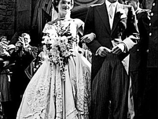 Jackie Kennedy's 1968 wedding gown, designed by iconic Black Fashion designer Ann Lowe /Courtesy of blackbrides.com