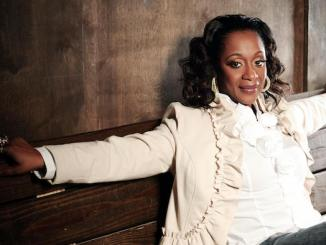Grammy-winning R&B singer Regina Belle (Courtesy photo)