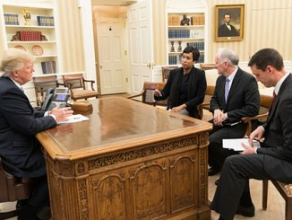 President Trump meets D.C Mayor Muriel Bowser, Paul Wiedefeld, General Manager of the Washington Metropolitan Area Transit Authority and Tom Bossart, Homeland Security Advisory ahead of winter blizzard warnings. (Courtesy of the White House)