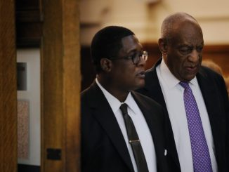 Actor and comedian Bill Cosby (right) departs the courtroom after the fifth day of his sexual assault trial at the Montgomery County Courthouse in Norristown, Pennsylvania, on June 9, 2017. (Lucas Jackson/Reuters, Pool)
