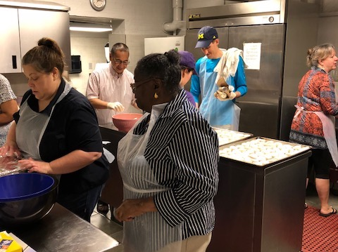 Volunteers prepare for a community breakfast at Calvary Episcopal Church. (Courtesy of Ryan Lester)
